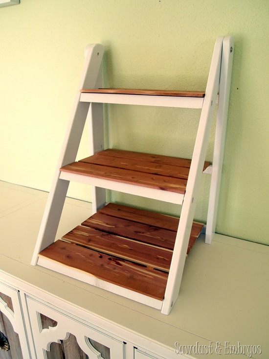 Do It Yourself Home Design: Mini Ladder Shelf - Feature By Sawdust And