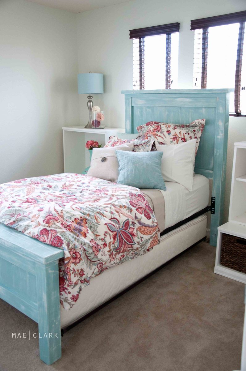 Ana white twin farmhouse bed a beachy ish version for Farmhouse style bed