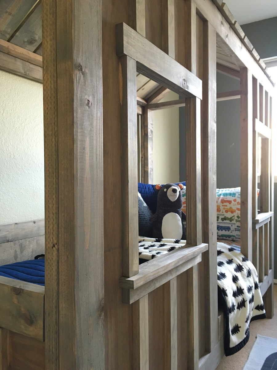 Ana White | Coen's Cabin Bed - DIY Projects