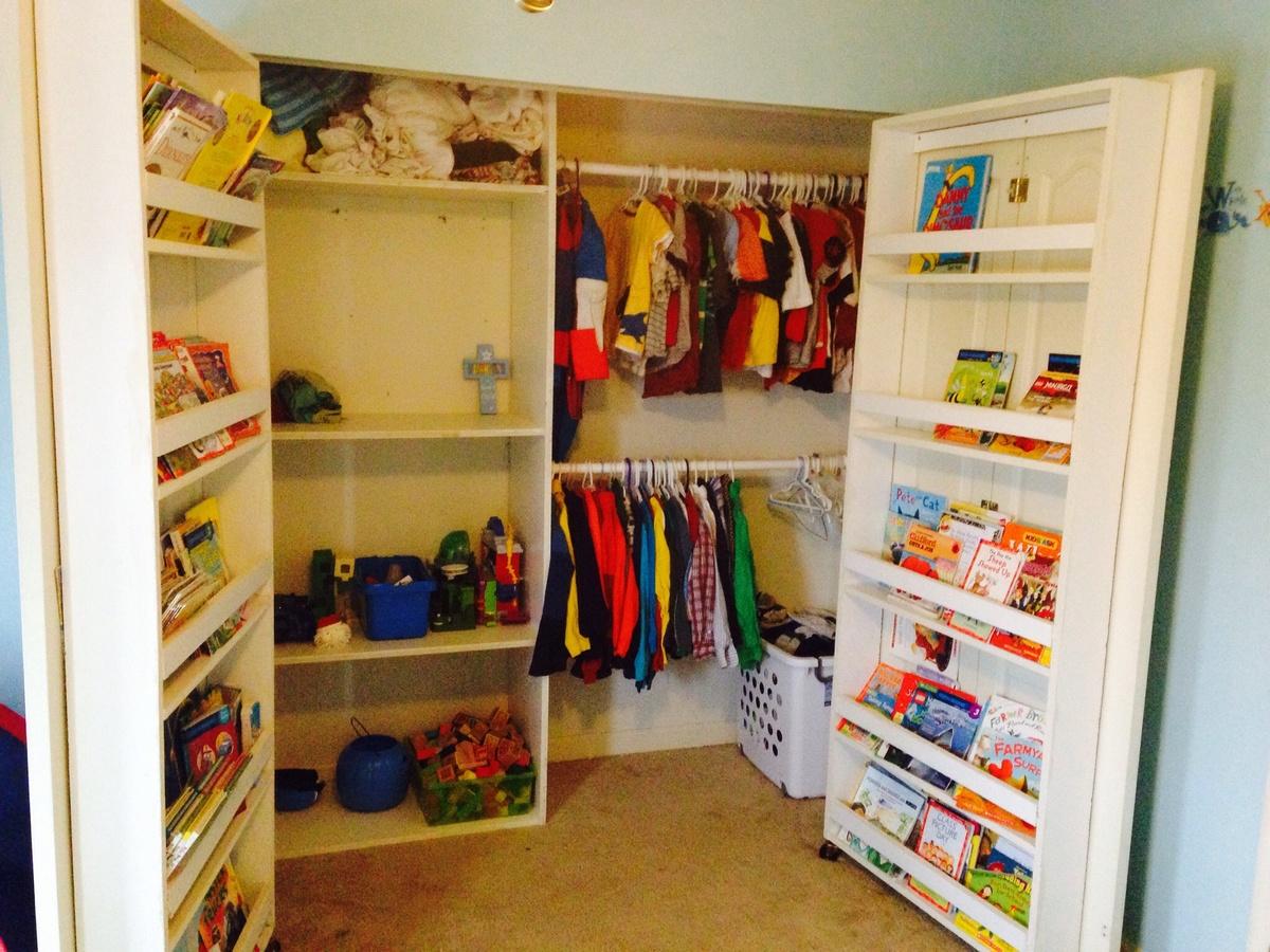 Do it yourself closet storage listitdallas do it yourself closets diy childrens dress up closet diy solutioingenieria Gallery