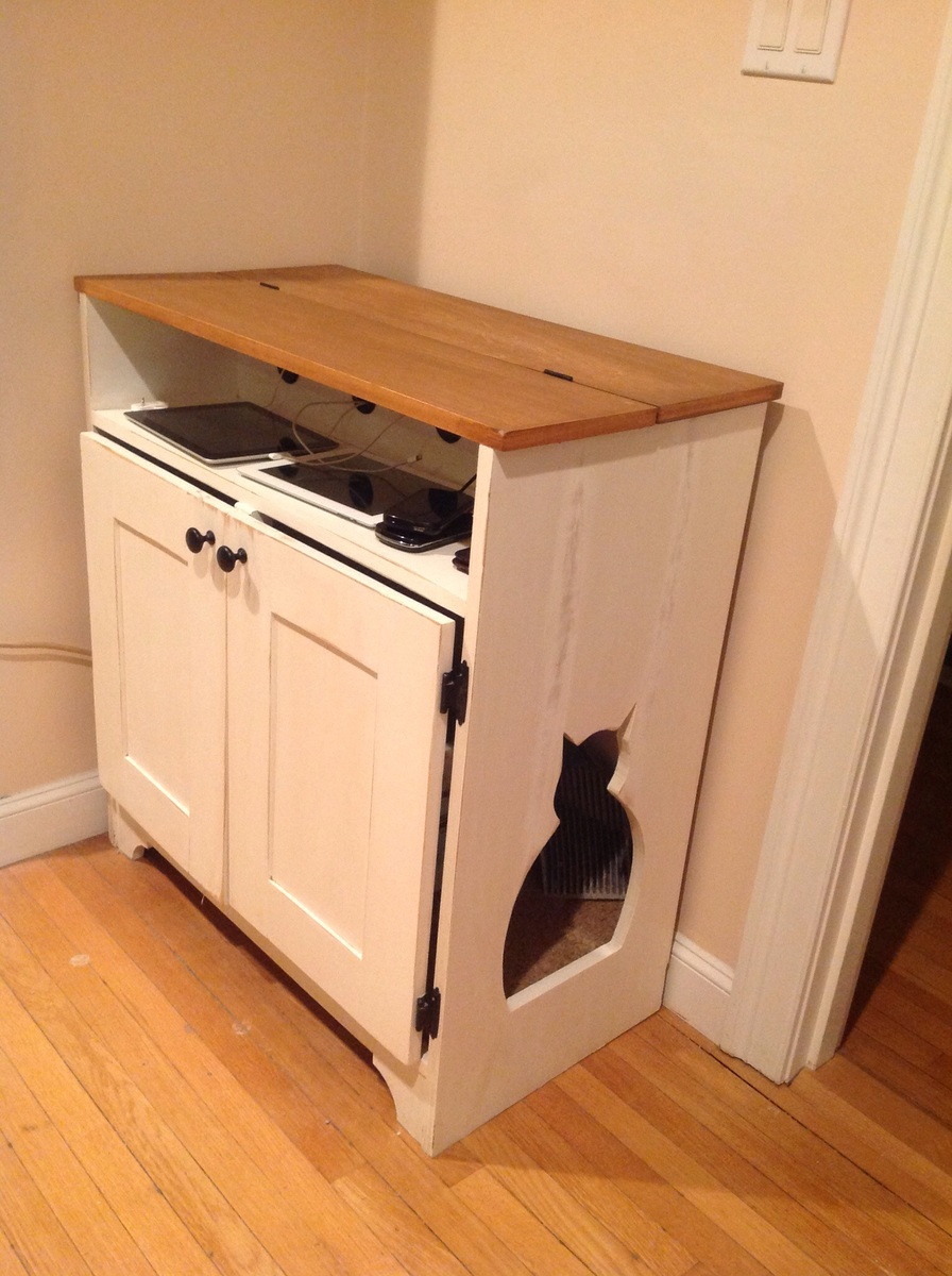 Charging Table Litter Box