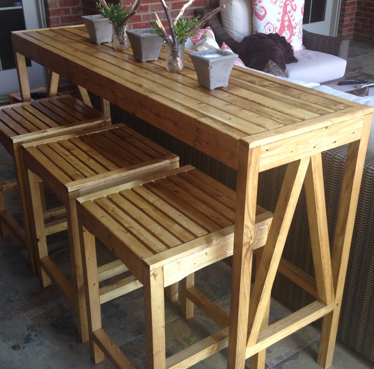 Ana white sutton custom outdoor bar stools diy projects for Wooden bar design