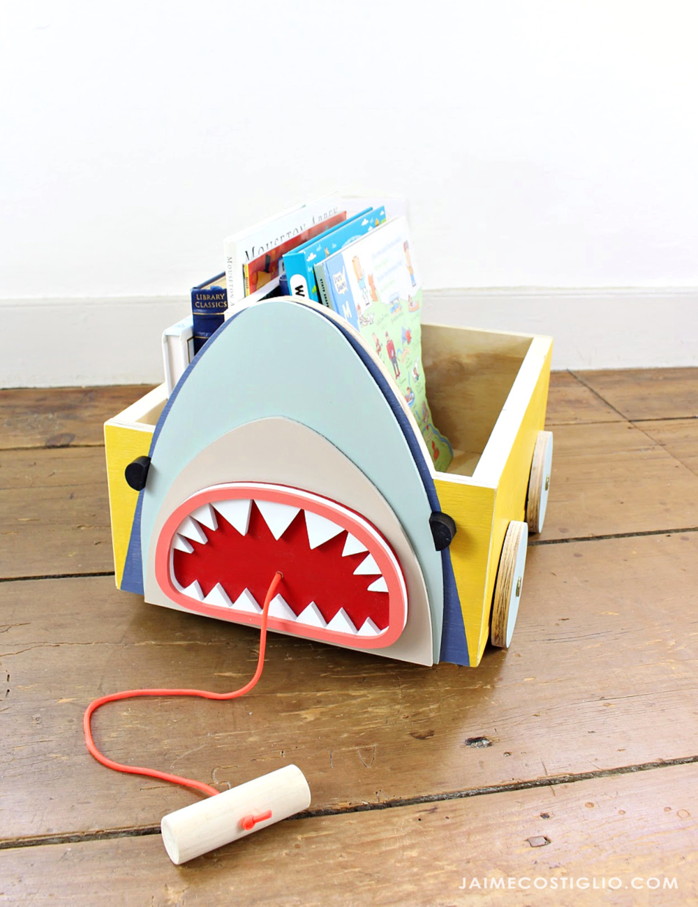 shark toy box