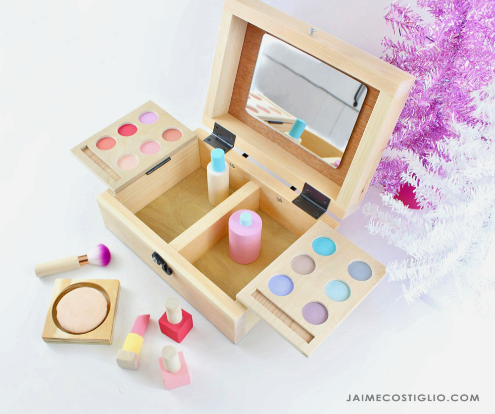 wood toy makeup kit