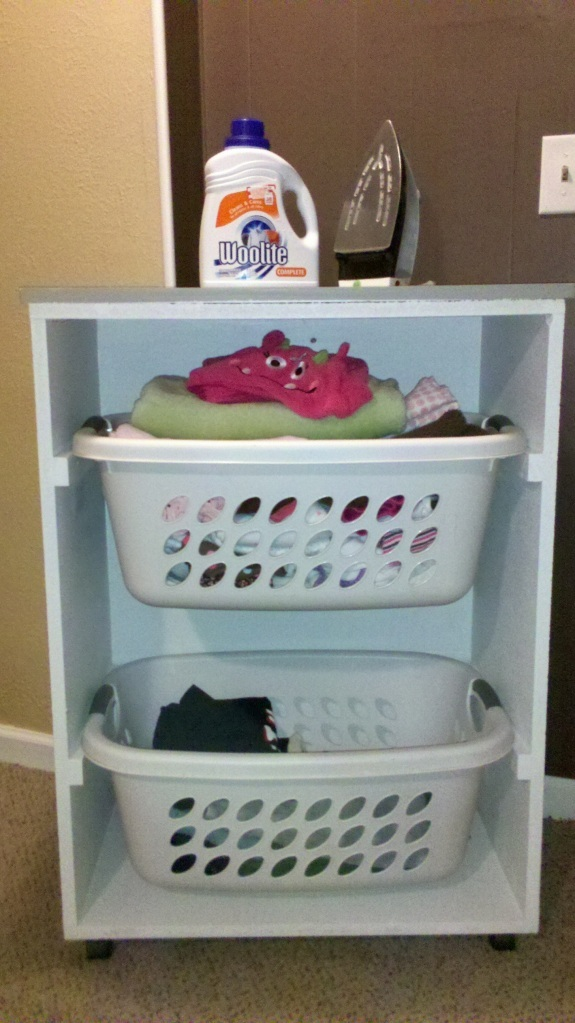 Ana white rolling laundry cart diy projects rolling laundry cart solutioingenieria Image collections
