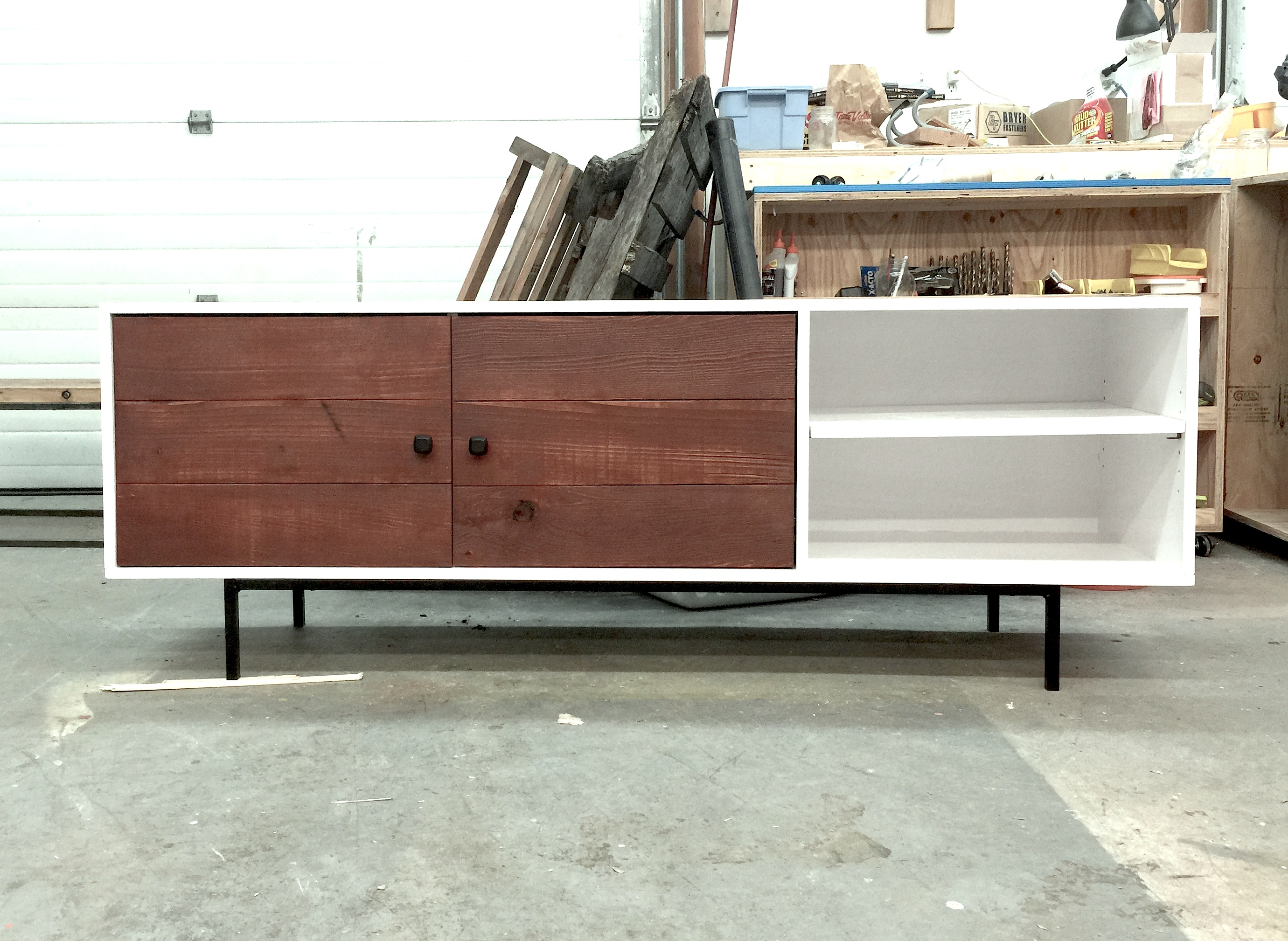 Ordinaire Long Modern Media Console Or Entertainment Center