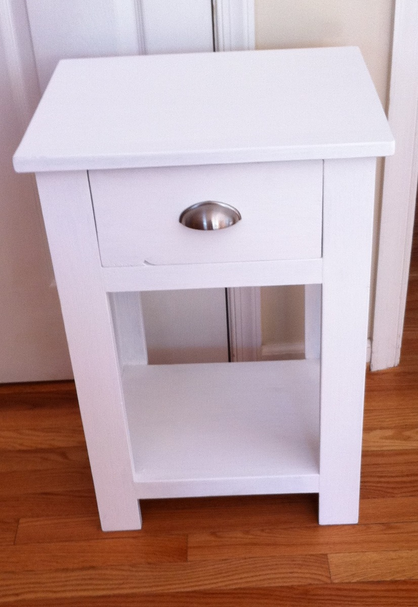 White night stands bedroom mid century nightstand white for Simple nightstand designs