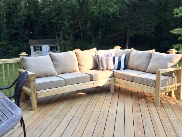 & Ana White | One Arm Outdoor Sectional Piece - DIY Projects