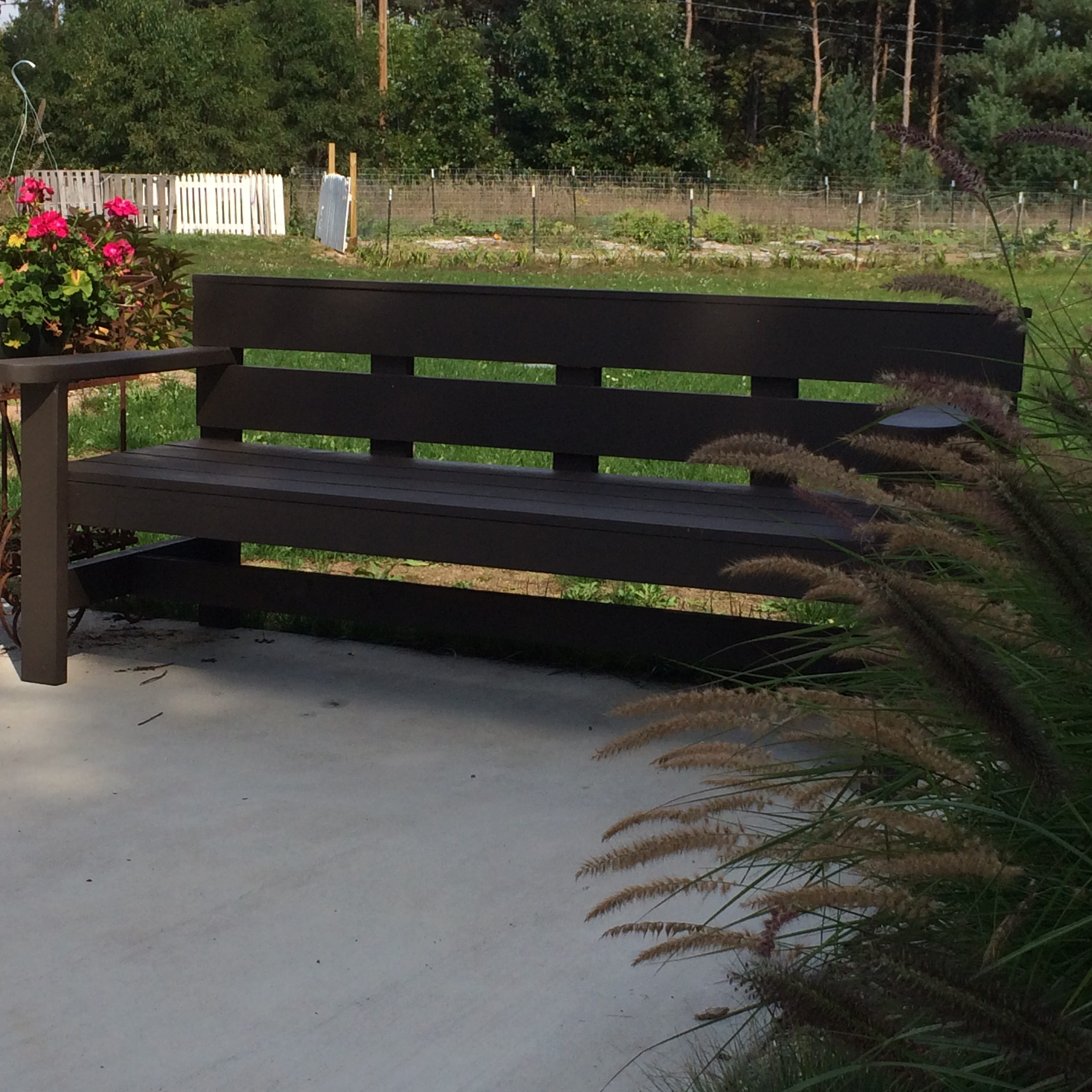 Park Bench Diy Plans: Modern Park Bench - DIY Projects