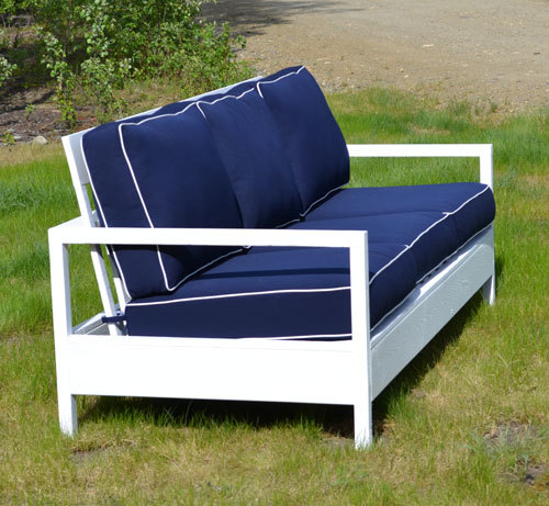 Ana white simple white outdoor sofa diy projects for Outdoor sofa plans