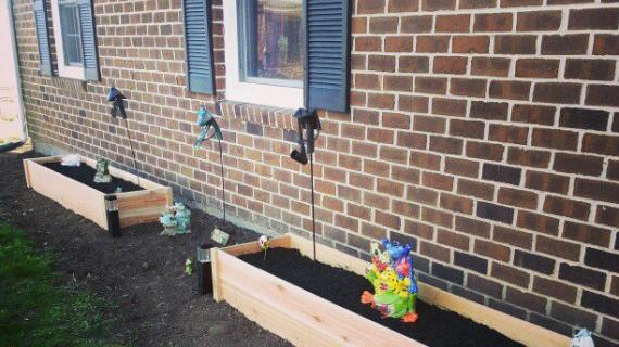 $10 Cedar Raised Garden Beds | Ana White