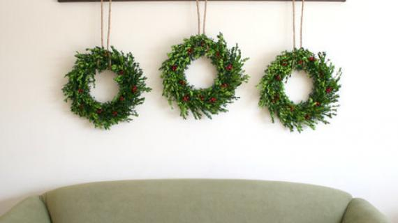 DIY Wreath Display Rail