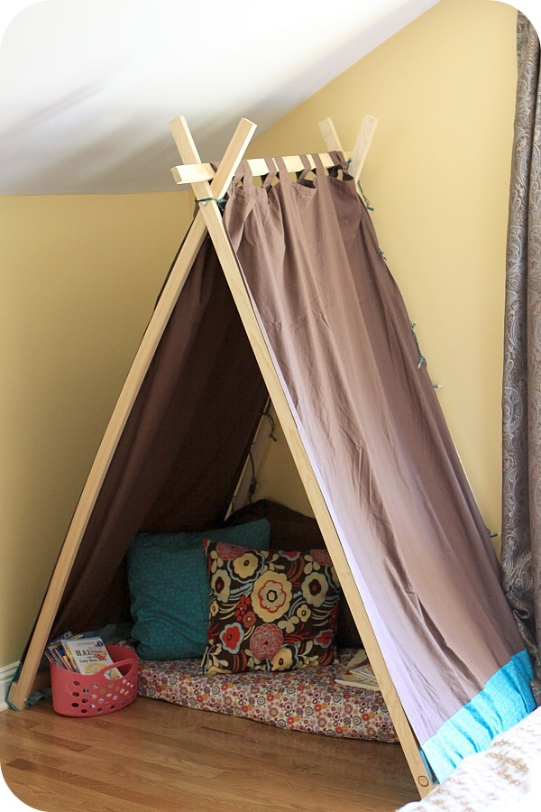 Ana White | Easy Kids' Tent / Reading Nook - DIY Projects