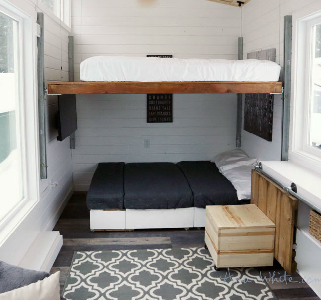 Small Homes That Use Lofts To Gain More Floor Space: DIY Elevator Bed For Tiny House - DIY Projects